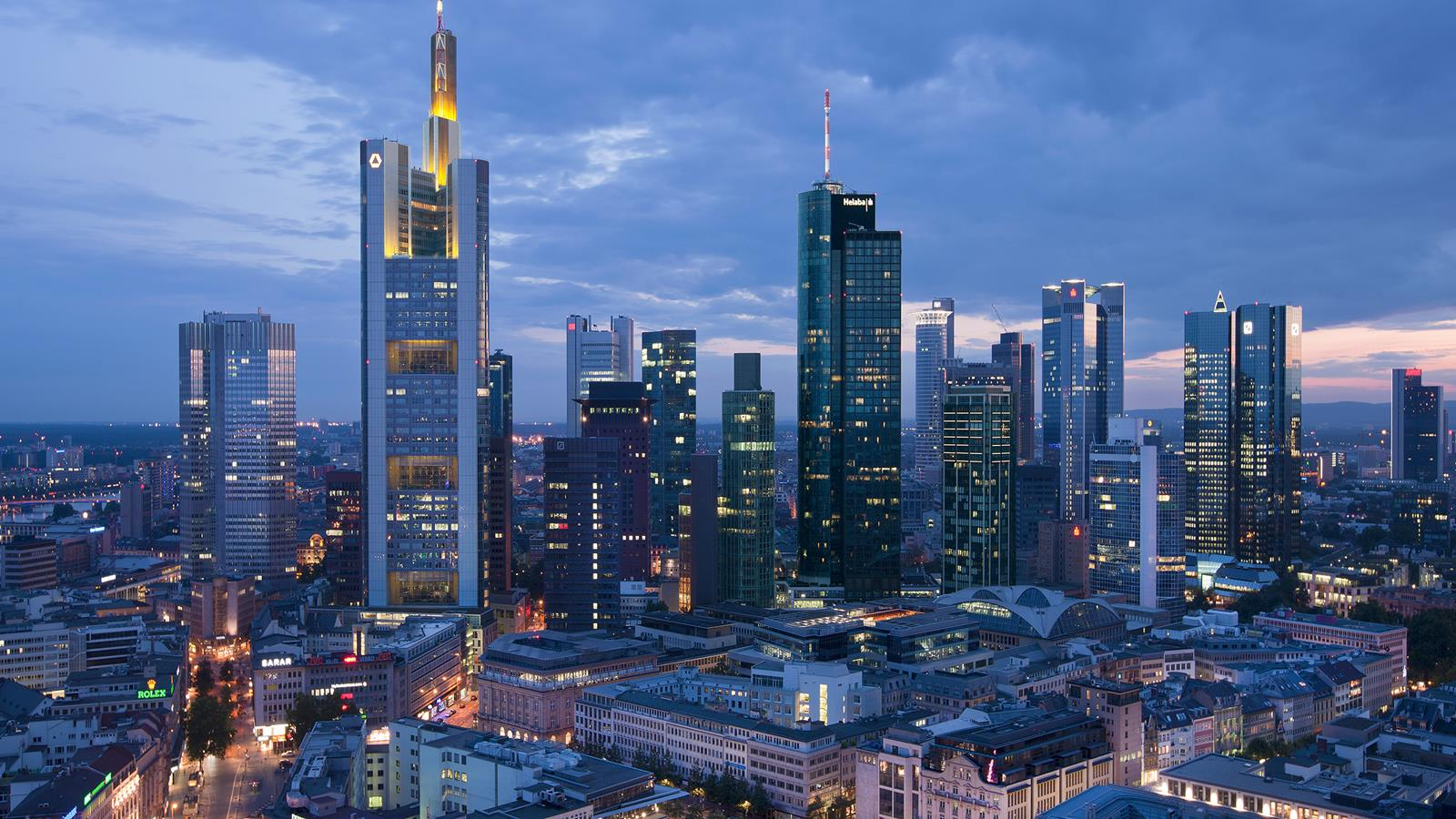 Pigus skrydziai i Frankfurta